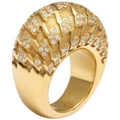 Christian Dior Diamond Gold Houndstooth Dome Ring