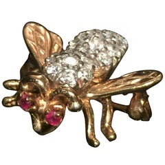 Vintage Diamond Ruby Gold Bee Brooch Pin