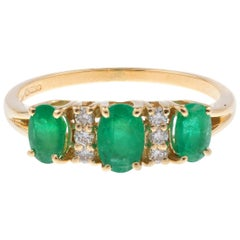 18 Carat Yellow Gold 1.05 Carat Emerald and Diamond Dress Ring