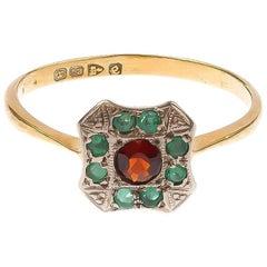 Late Art Deco 18 Carat Yellow Gold 0.15 Carat Garnet and Emerald Cluster Ring
