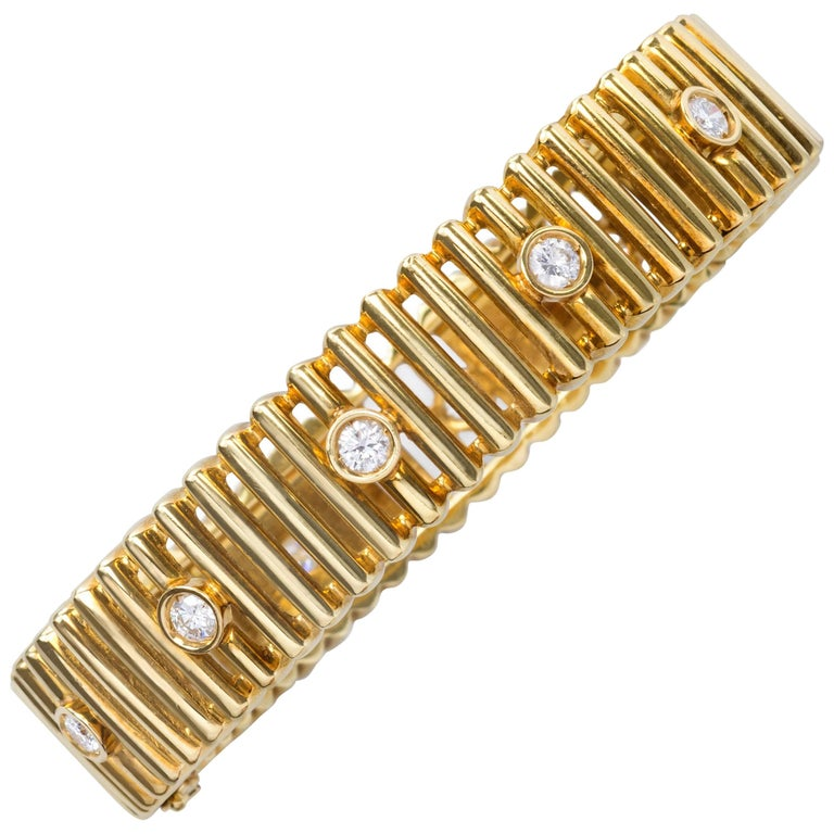 1970s Gianfranco Frattini, Modern Diamond and Yellow Gold Bracelet