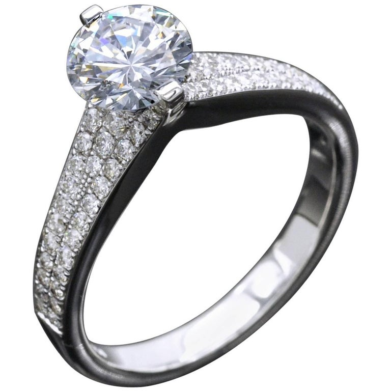 Certified 1 Carat F VVS2 Diamond Engagement Ring