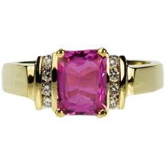 18 Karat Pink Sapphire Ring