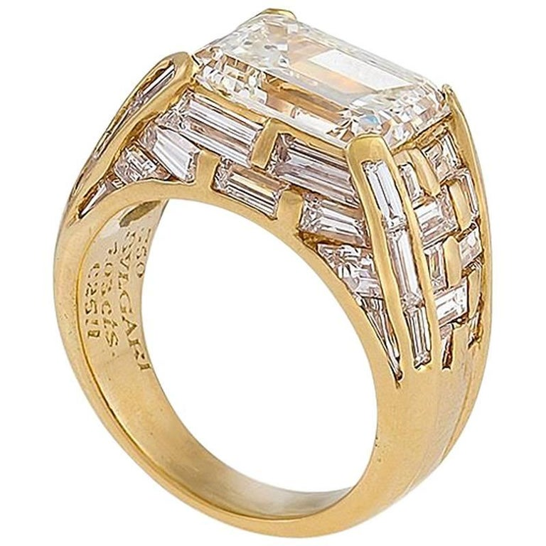 Bulgari Estate Diamond and Gold Ring For Sale