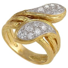 Van Cleef & Arpels Paris 1970s Diamond Platinum and Gold Ring