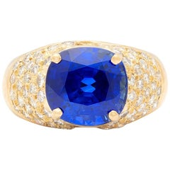Exceptional 5.80 Carat Sapphire and Diamond Ring