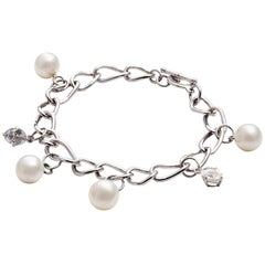 Kian Design 18 Carat White Gold Pearl and Oval Sapphire Bracelet