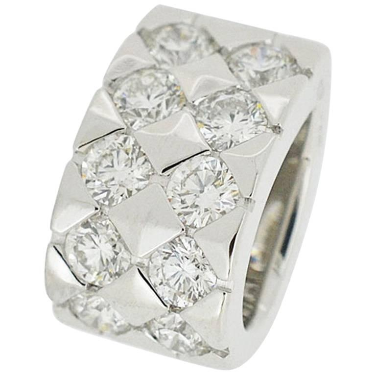 Boucheron Diamant 10 Pieces Diamonds Pendant Top 18 Karat White Gold