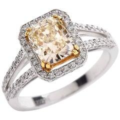 21st Century 2.89 Carat Light Yellow Diamond Engagement Ring