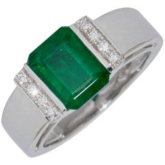 Emerald and Diamonds White Gold Engagement Ring