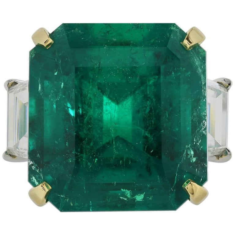 Shreve, Crump & Low Magnificent 16.11 carat AGL Colombian Emerald & Diamond Ring For Sale
