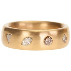 Beautiful Crafted Handmade 22 Karat Yellow Gold Band with Fancy Color Diamonds