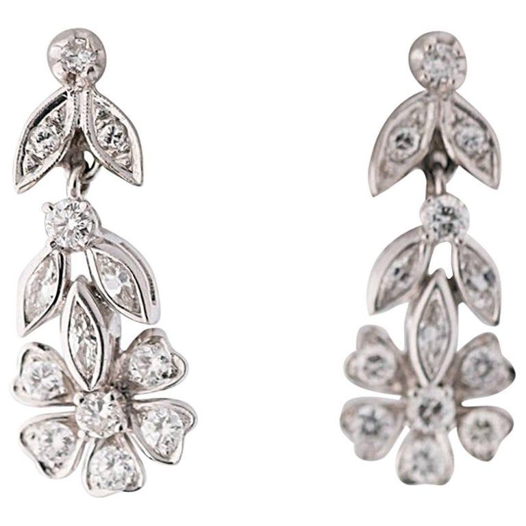 1940s 1 Carat Diamond and 14 Karat Gold Dangle Earrings