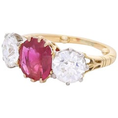 Burmese Ruby and Old Cut Diamond Three-Stone Ring in Yellow Gold, circa 1950s