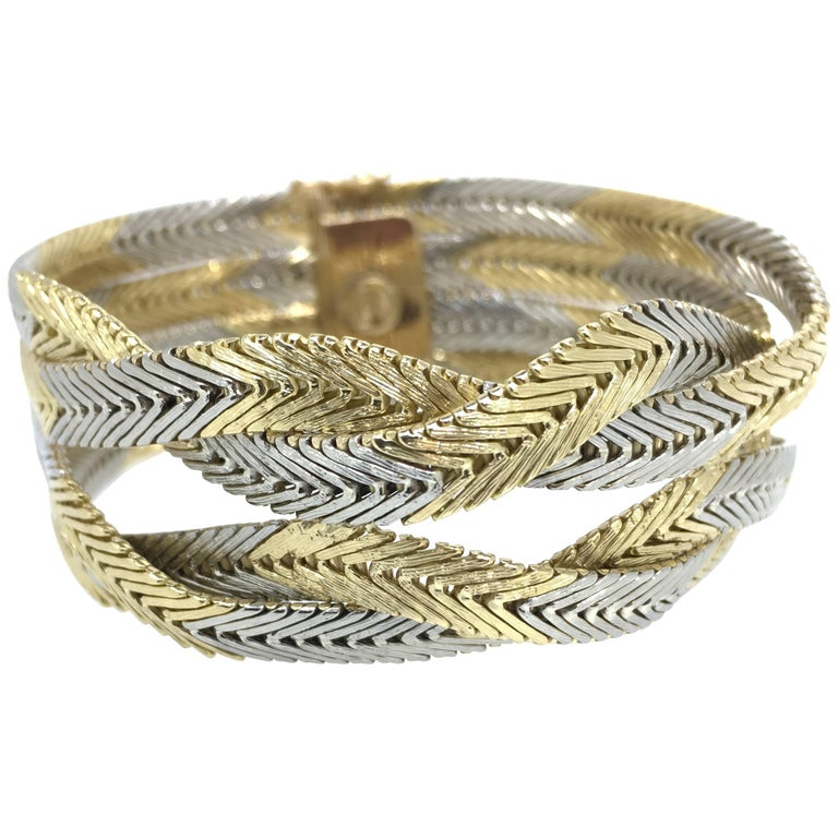 Bracelet, 18 carat gold, Braided Gold Wires, Italian Design, 1970 For Sale