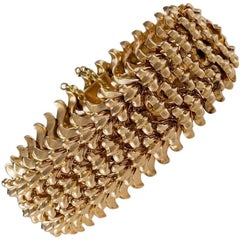 Retro Gold Flexible Bracelet