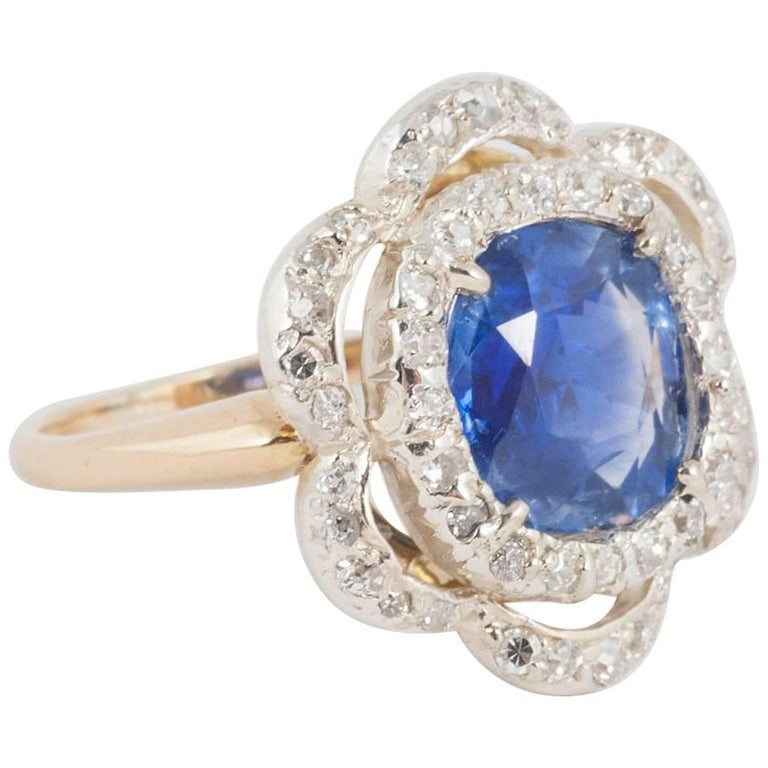 Natural Ceylon Sapphire and Diamond Ring For Sale
