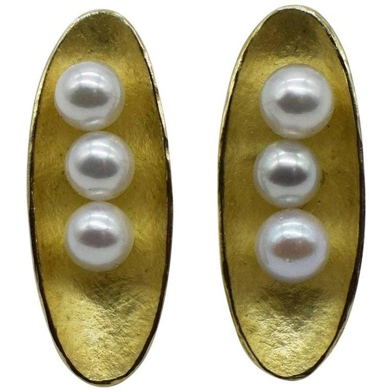 Kayo Saito Akoya Pearls 18 Karat Gold Stud Earrings, Pearls in Peapod