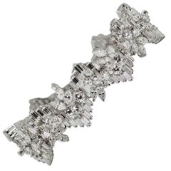1970s Snowflake Diamond White Gold Bracelet with 20 Carat of Diamonds