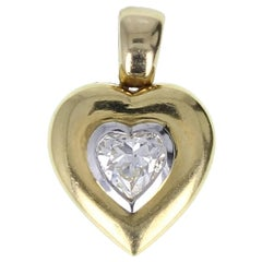 Vintage 0.90 Carat Heart Shaped Diamond 18 Carat Gold Pendant
