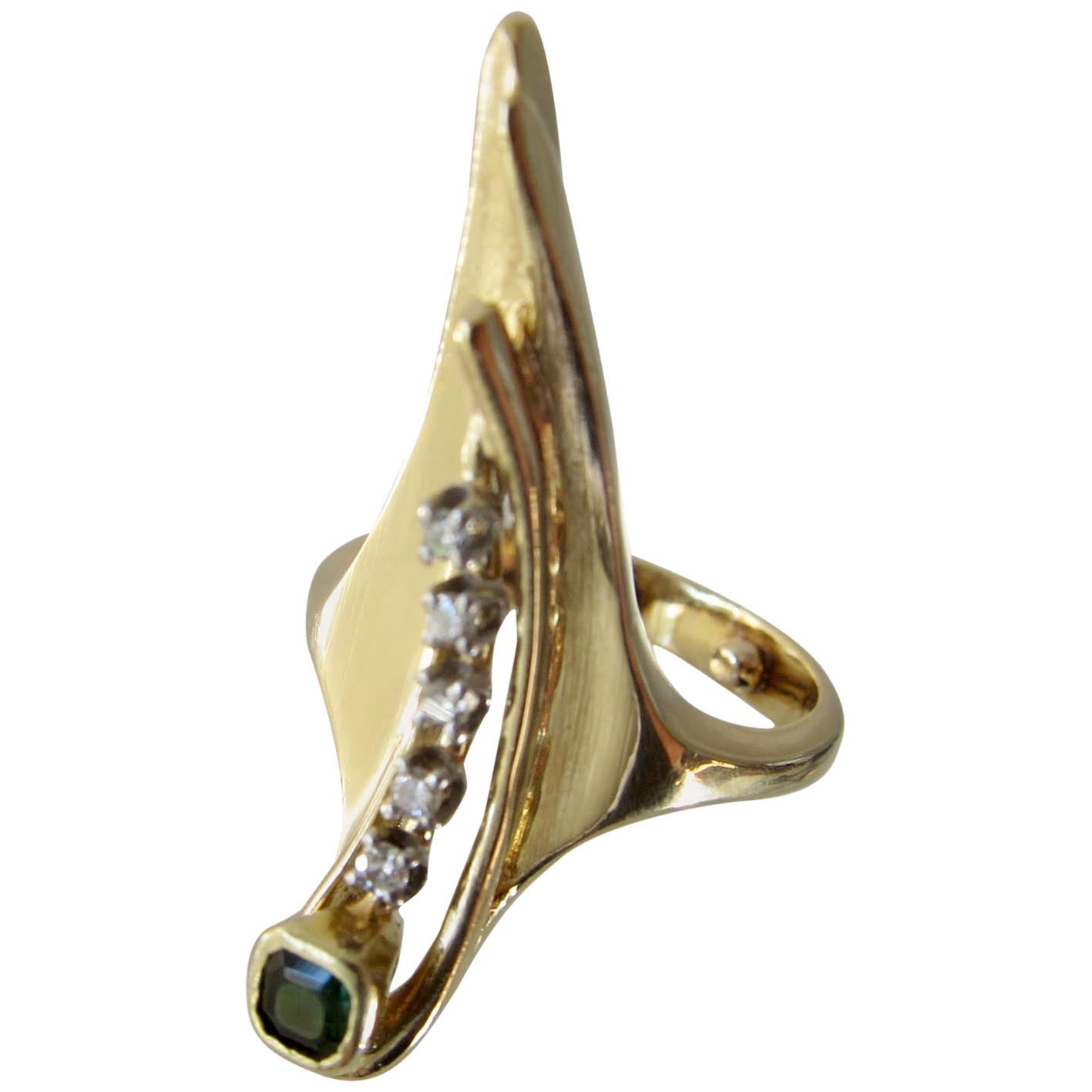 1970s Emerald Diamond 18k Gold Elongated Arrow Ring