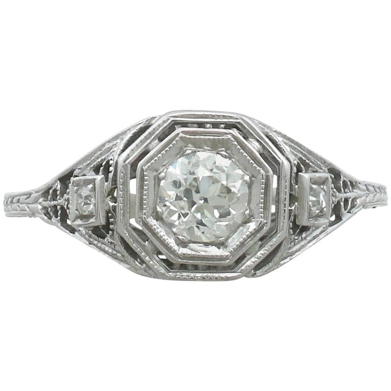 Antique 1920s Diamond and White Gold Solitaire Ring