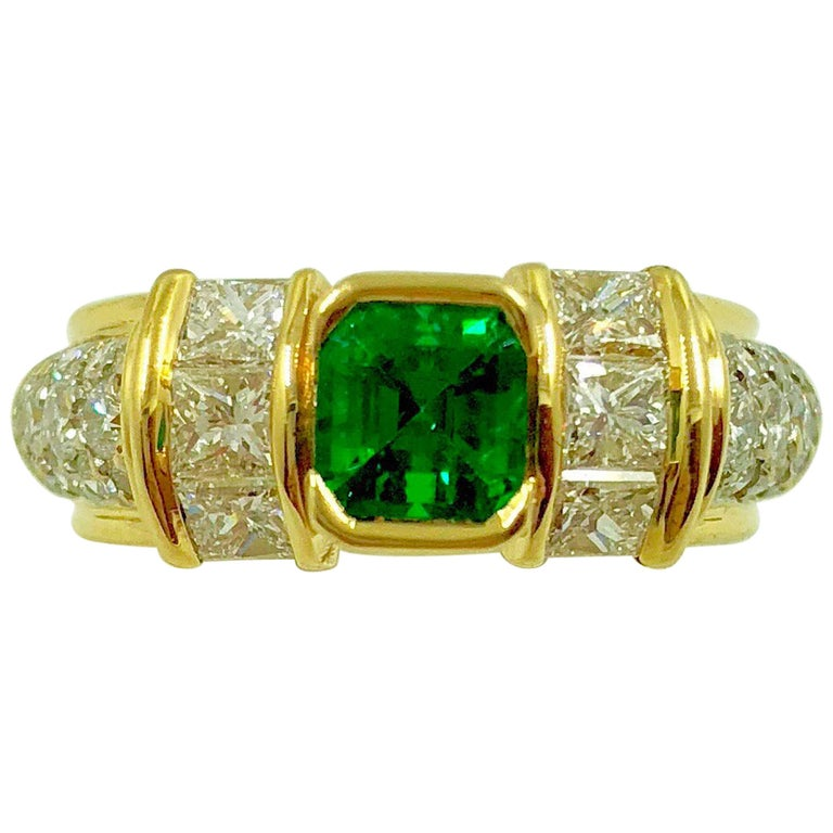 G.Minner Unique Emerald Diamonds Gold Ring
