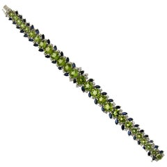 Peridot White Gold Diamonds Cuff Bracelet