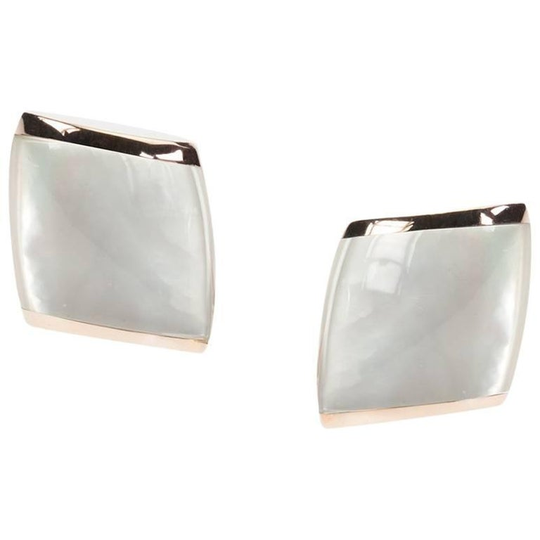 "Vhernier 18 Karat Gold Small ""Plateau"" Ear Clips in Mother-of-Pearl and Quartz"