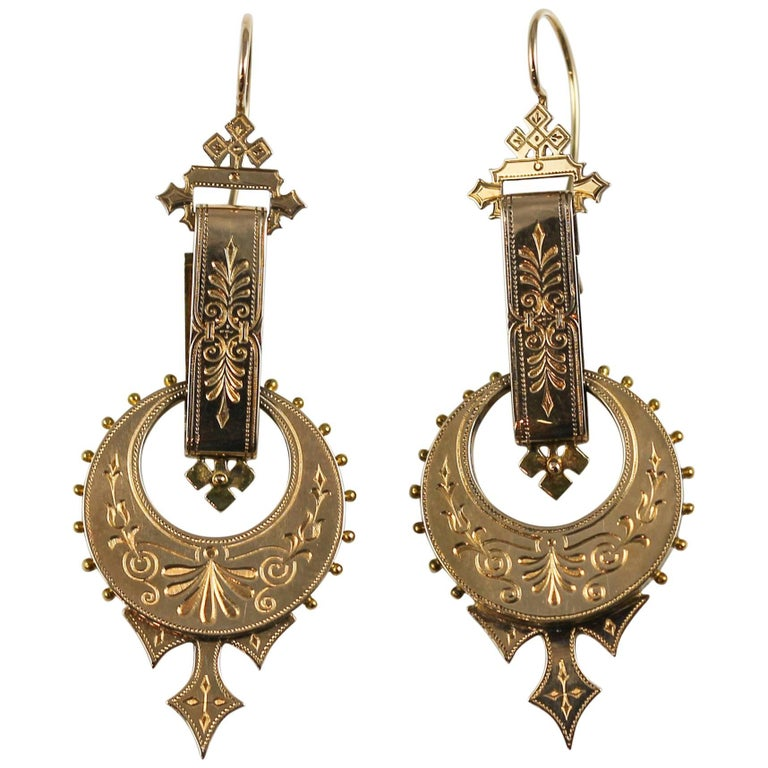 Victorian 14 Karat Yellow Gold Engraved Dangle Earrings