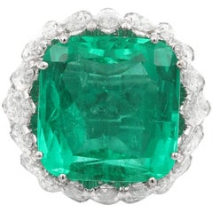 18 Karat White Gold 25.45 Carat Colombian Emerald and Diamond Ring