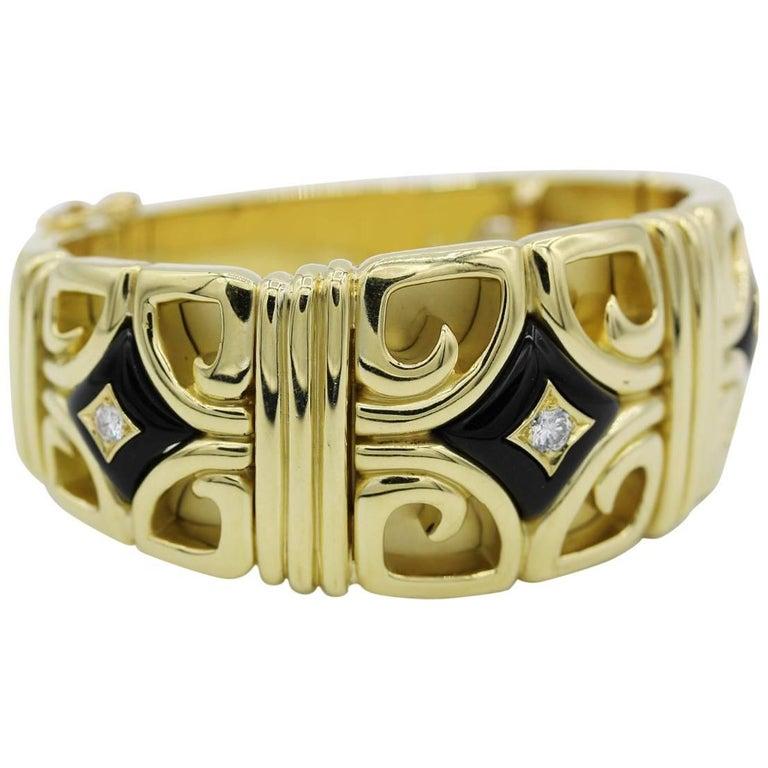 Van Cleef & Arpels Diamond and Onyx 18 Karat Yellow Gold Cuff