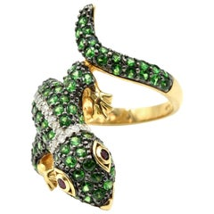 14 Karat Yellow Gold 1.58 Carat Tsavorite, Diamond, Ruby Lizard Cocktail Ring