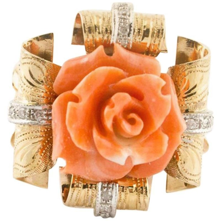Diamonds and Natural Coral Flower Engraved Rose Gold Fashion Ring