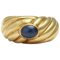 Cabochon Sapphire and Yellow Gold Ring signed Fred