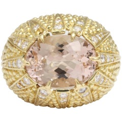 Morganite Oval Stone in Diamond Mounting