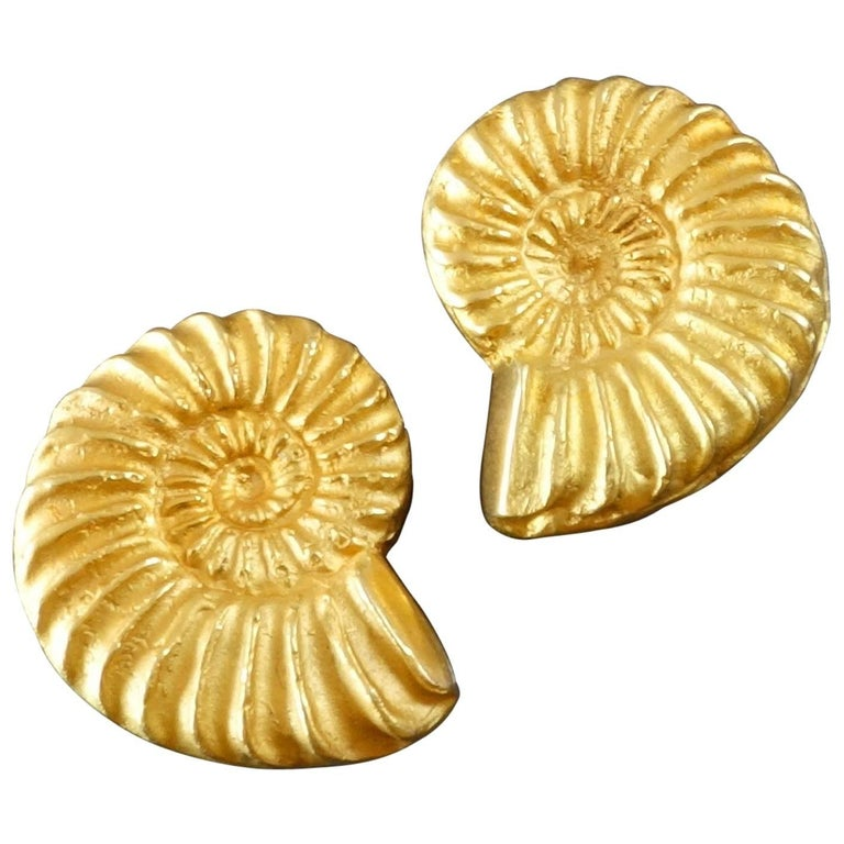 Ehinger-Schwarz A Pair of Modernist Gold Ammonite Shell Clip-on Earrings