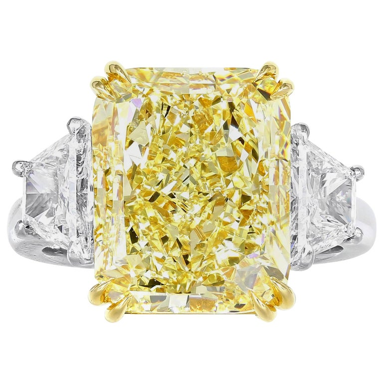 Shreve, Crump & Low 4.12 carat Canary Diamond VS2 GIA Certified Engagement Ring