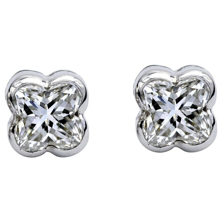 Amazing Lily Cut Diamond Ear Studs Outstanding Yet Timeless Total Weight