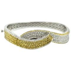 18 Karat Gold, 2.60 Carat Diamond and 3.40 Carat Yellow Sapphire Bangle Bracelet