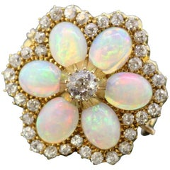 Victorian 18 Karat Yellow Gold Brooch or Pendant with Opal and Diamonds, 1880s