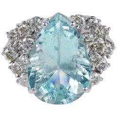13.0 Carat Natural Aquamarine 1.0 Carat Diamond Vintage Ring
