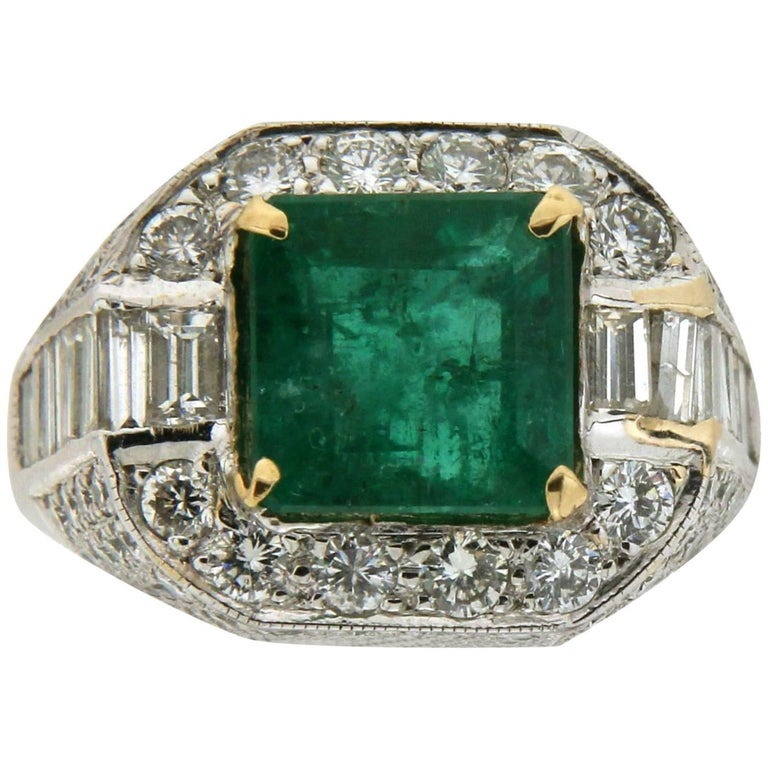 4.65 Carat Colombian Emerald 18 Carat White Gold Diamonds Cocktail Ring