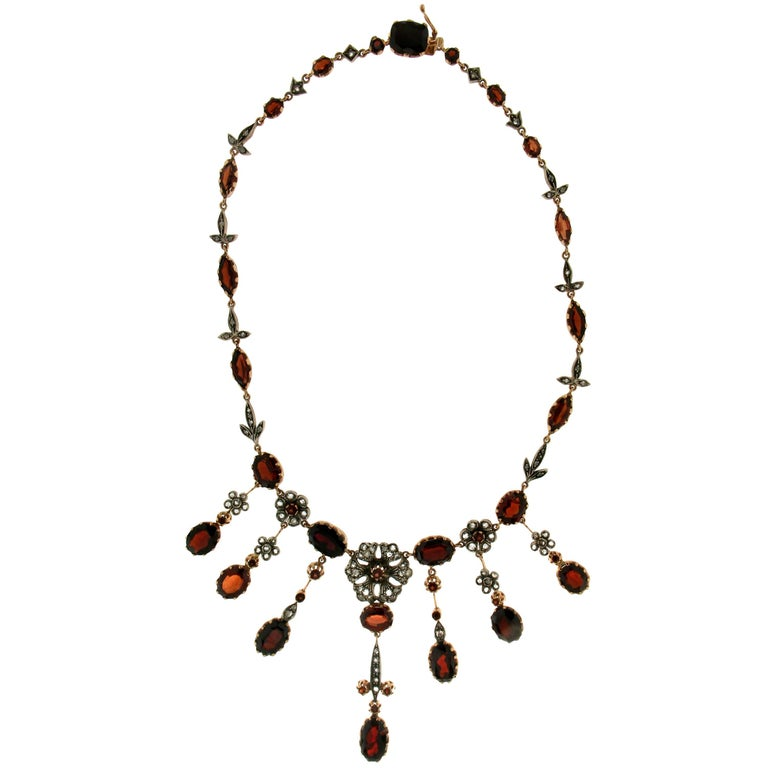 Antique 1940s Garnet Yellow Gold and Silver Diamonds Choker Necklace