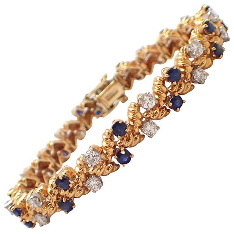 Diamond and Sapphire Bracelet in 18 Karat Yellow Gold