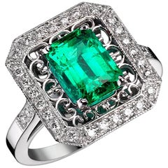 Philomena Emerald Diamonds Ring