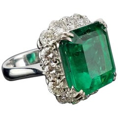 GRS Certified 15.86 Carat Colombian Emerald and Diamond Cocktail Ring