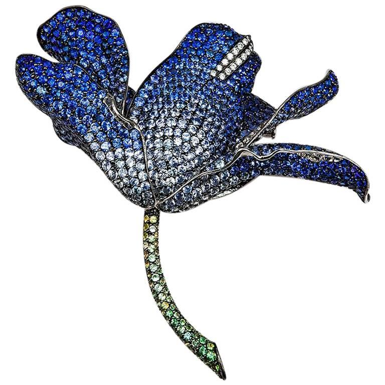18K White gold invisible Lilly Big Brooch For Sale