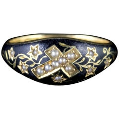 Antique Edwardian 18 Carat Gold Mourning Cross Ring Dated 1901