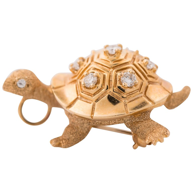 1950s Diamond and 14 Karat Yellow Gold Turtle Brooch Lapel Pin For Sale